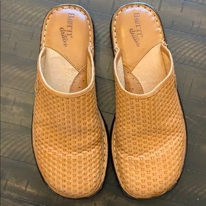 Born Drillers Basket Weave Mules Clogs Size 8/39